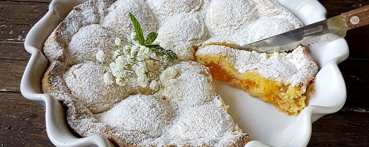 crostata di albicocche con farina di mandorle